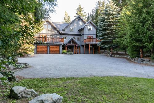 Lorimer Ridge Lodge - Chalet - Whistler Blackcomb