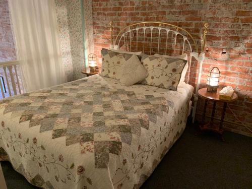 The Palace Hotel - Accommodation - Port Townsend