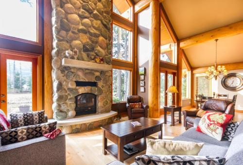 #8410 Nicklaus North - Accommodation - Whistler Blackcomb
