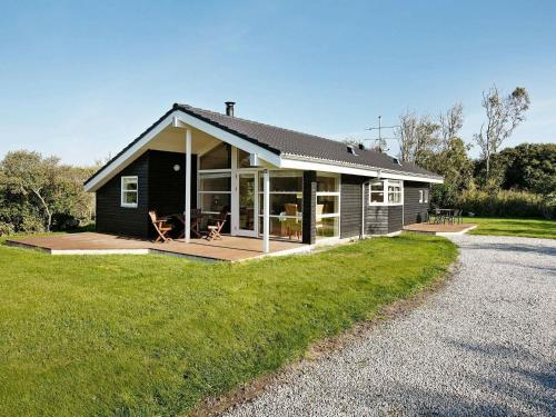 . Three-Bedroom Holiday home in Vestervig 1