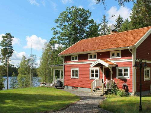 . Three-Bedroom Holiday home in Hult