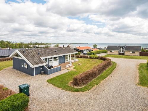 . Three-Bedroom Holiday home in Sjølund 4