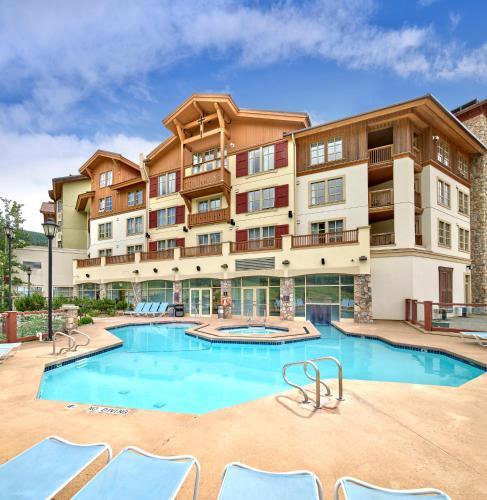 Sun Peaks Grand Hotel & Conference Centre - Accommodation - Sun Peaks