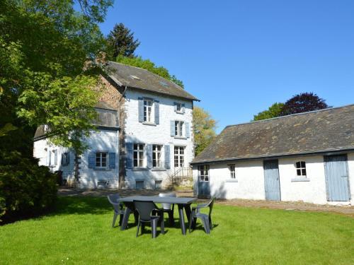 . Quiet cottage in Roumont
