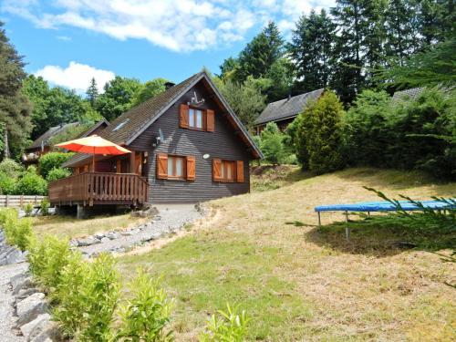 Peaceful Chalet in Beaulieu with Lake Nearby