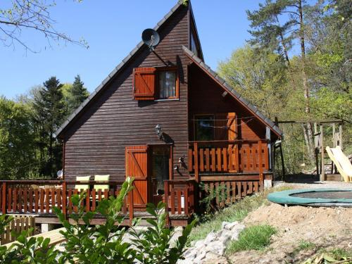 Pretty Chalet in Beaulieu France With Private Swimming Pool - Location saisonnière - Beaulieu