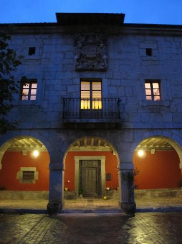 Seven-Bedroom House Casona Valle de Soba 22