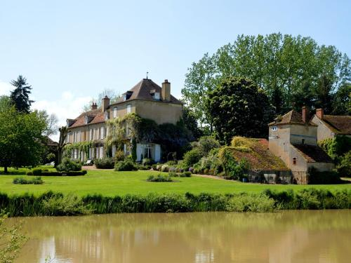 . Lovely Country House with Pond in Champvert