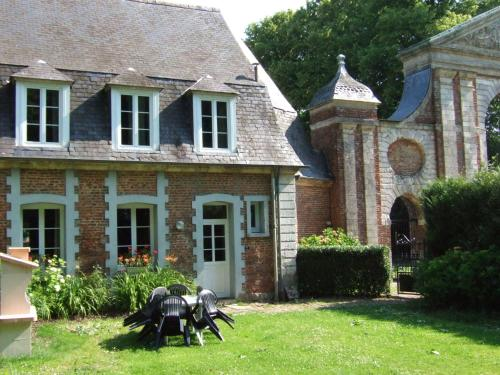Cozy Holiday Home in Gouy-Saint-Andre with Garden - Location saisonnière - Gouy-Saint-André