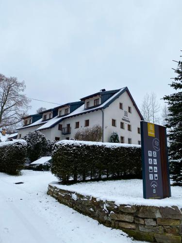 . Horský Hotel Sněženka