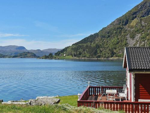 . Three-Bedroom Holiday home in Selje 2