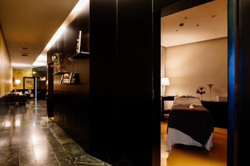 Axis Viana Business & Spa Hotel - Photo 6 of 48