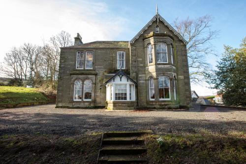 6 Bedroom Home - Newton Manor House