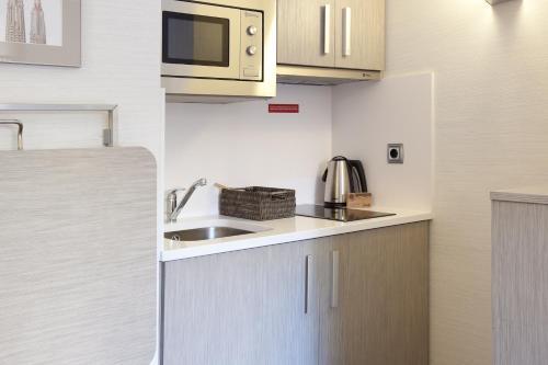 Aparthotel Silver photo 6