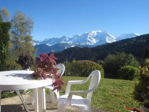 Studio a Cordon avec magnifique vue sur la montagne terrasse amenagee et WiFi a 5 km de la plage - Apartment - Cordon