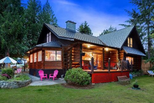 . Union Bay Log Home