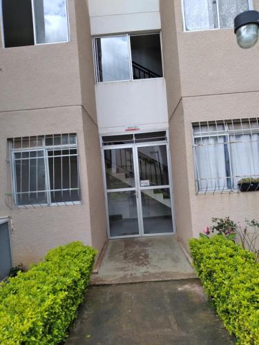 Apartamento próximo Aerop Confins