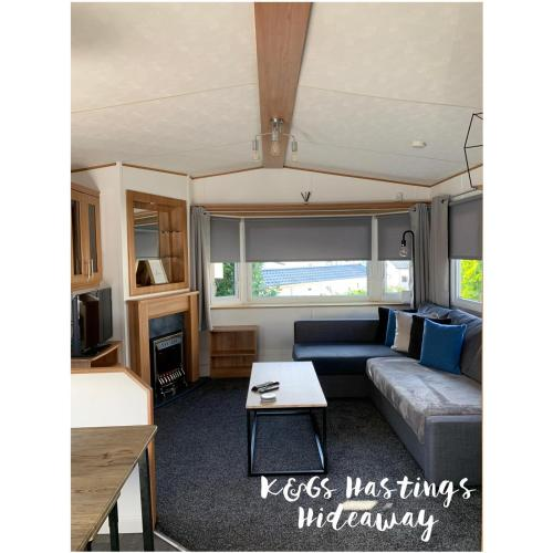 Beautiful 3-Bed Caravan On Holiday Park
