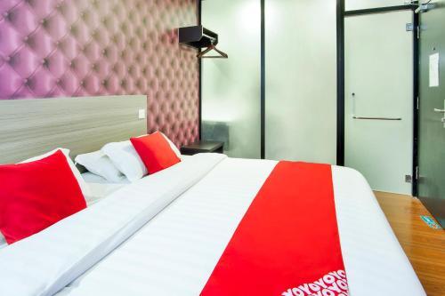 . OYO 383 V3 Hotel Nusajaya