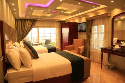 Grand Nile Royal Hotel at Nile Plaza - image 7