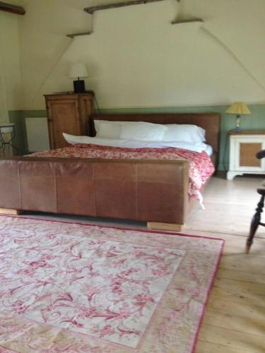 Beautiful 6-Bed Home in Brecon,