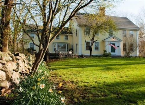 Stonecroft Country Inn - Ledyard, CT 06339