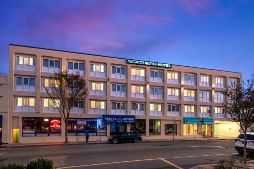 . Brighton Suites Hotel