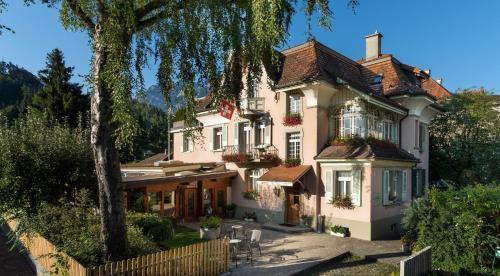 . Swiss Inn & Apartments