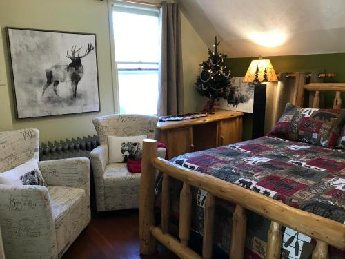 Holiday Lodge Bed And Breakfast - Photo 8 of 14