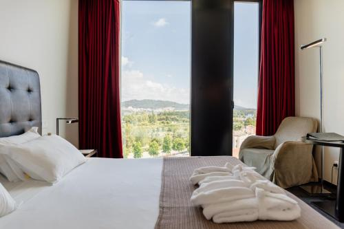Axis Viana Business & Spa Hotel - Photo 4 of 48