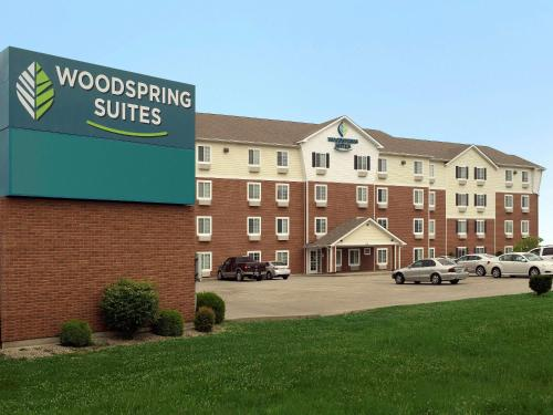 . WoodSpring Suites Louisville Clarksville