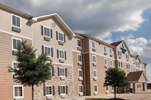 . WoodSpring Suites College Station