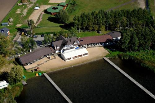 __{offers.Best_flights}__ Hotel Łazienki Chodzieskie