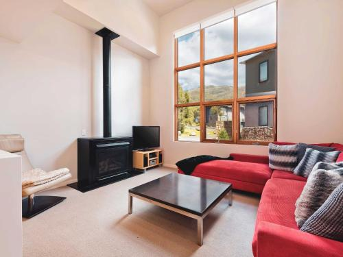 Snow Stream 1 Bedroom and loft with gas fire garage parking and mountain view - Chalet - Thredbo