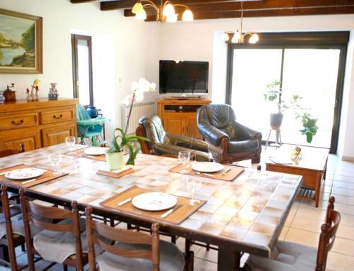 Villa de 3 chambres a Mellionnec avec jardin clos a 60 km de la plage - Location, gîte - Mellionnec