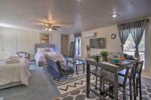 Cozy Getaway with Yard - 20 Mi to Dtwn Houston! - image 4