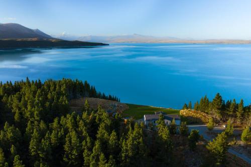 Mt Cook Lakeside Retreat - Accommodation - Lake Pukaki
