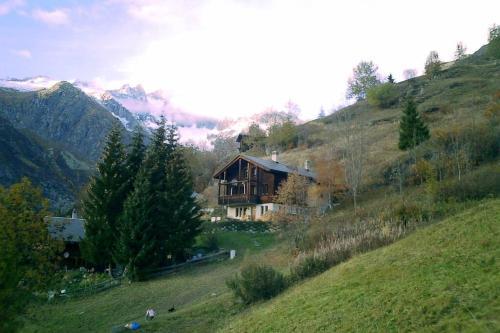 Chalet BANULARA mit 2 getrennten Wohnungen, 2 x 5 Personen möglich - Bellwald