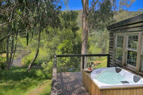 Toorongo River Chalets - Accommodation - Noojee