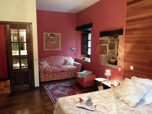 Superior King Room Casona de San Pantaleón de Aras 16