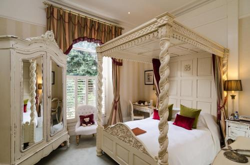 Apsley House picture 1 of 42