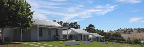. Wagga Wagga Country Cottages