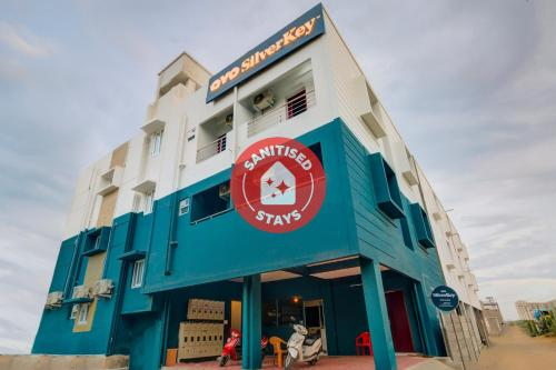 . SilverKey Executive Stays 26484 Majjid Nagar