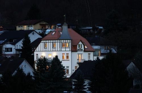 . Villa Waldfrieden - Gästehaus zum Jugendstilhotel