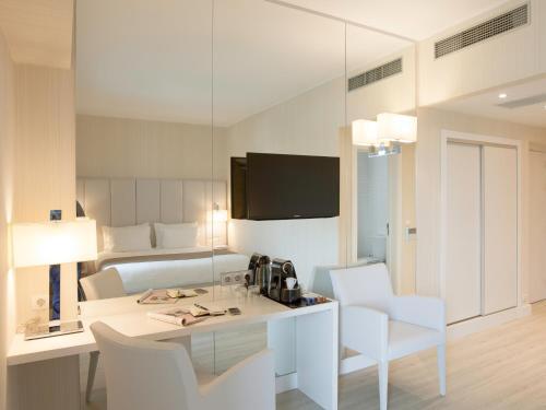 Lutecia Smart Design Hotel photo 6