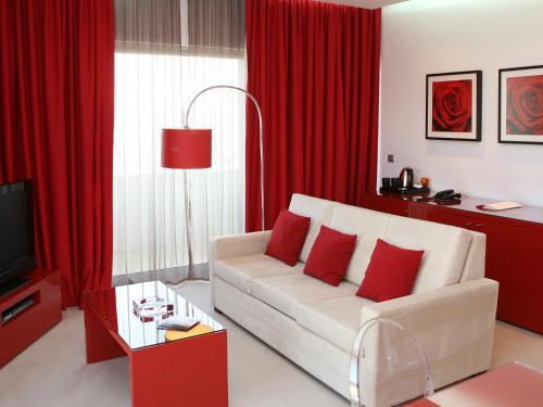 Lutecia Smart Design Hotel photo 16