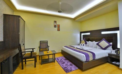 . Hotel Samrat