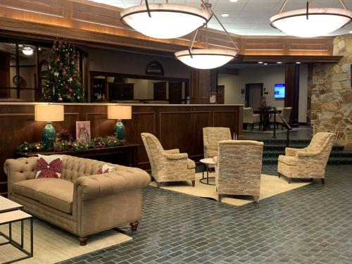 Wooster Hotels