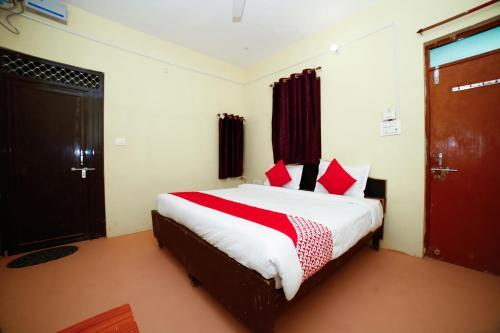 . OYO 29600 Hotel Farmsgreen