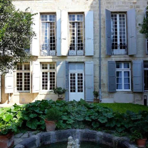 . Apartment with 2 bedrooms in Beziers with enclosed garden and WiFi 16 km from the beach